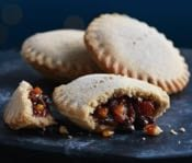 Gregg's Sweet Mince Pies