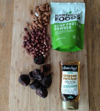 Homemade protein bar ingredients